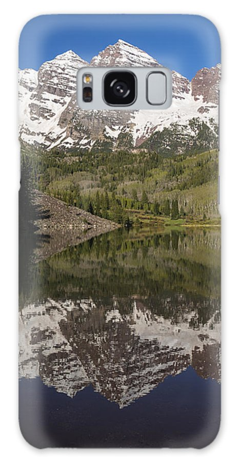 Maroon Galaxy S8 Case featuring the photograph Mountains Maroon Bells 11 by John Brueske