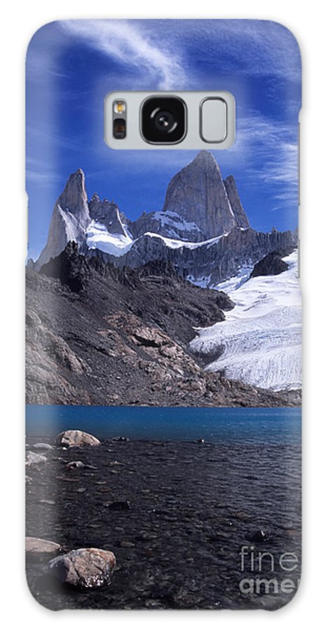 Fitzroy Galaxy S8 Case featuring the photograph Mt Fitzroy And Laguna De Los Tres by James Brunker