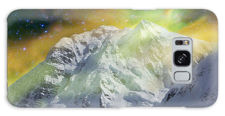 Alaska Galaxy Case featuring the photograph Mt. Hunter Aurora # Da 129 by Dianne Roberson