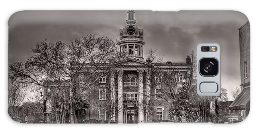 Capitol Galaxy S8 Case featuring the photograph Murfreesboro Town Hall by Brett Engle