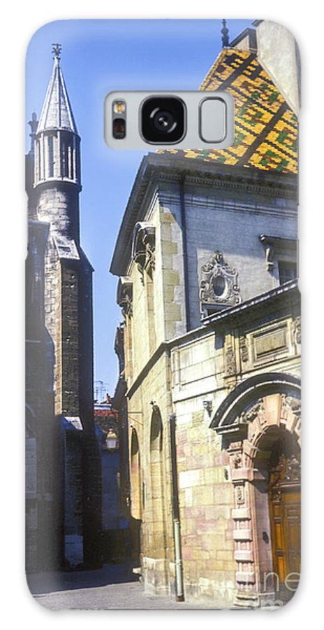 Dijon France Building Buildings Church Churches Structures Structure Tile Rooftop Tiles Rooftops City Cities Cityscape Cityscapes Galaxy S8 Case featuring the photograph Narrow Passageway by Bob Phillips