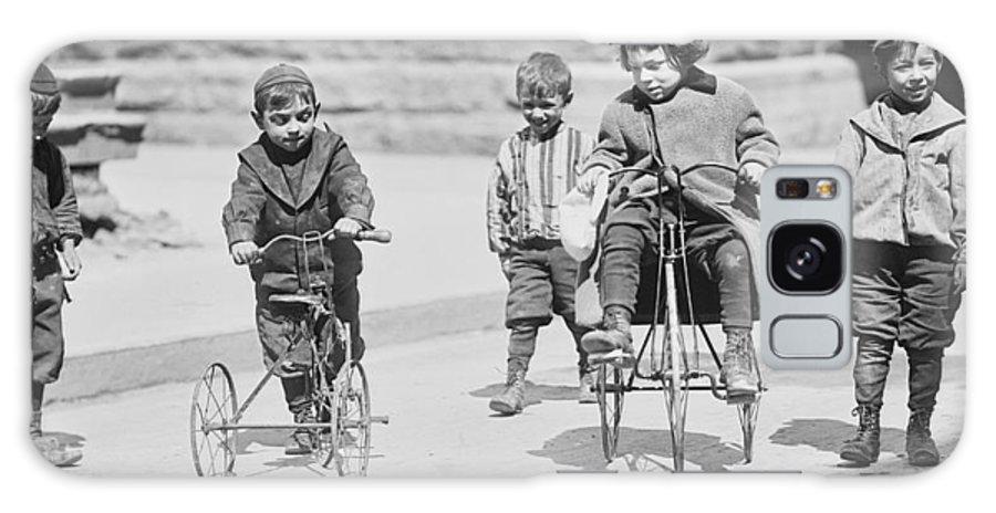 street Kids Galaxy S8 Case featuring the photograph New York Street Kids - 1909 by Daniel Hagerman