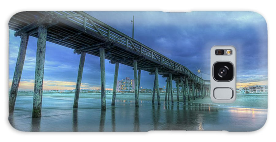 Ocean City Galaxy S8 Case featuring the photograph Nightfall At The Pier by Lori Deiter