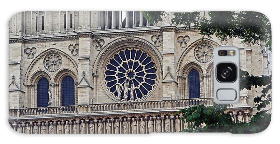 Paris Notre Dame De Paris France Rosette Architecture Galaxy S8 Case featuring the photograph Notre Dame by Alex D