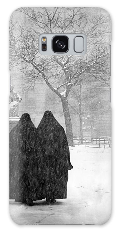 Christmas Galaxy S8 Case featuring the photograph Nuns In Snow New York City 1946 by Melissa A Benson