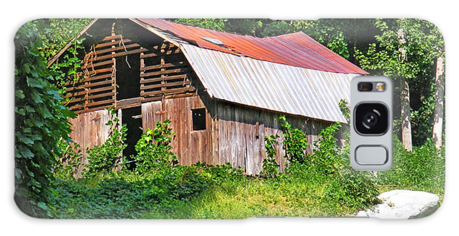 Barns Galaxy S8 Case featuring the photograph Old Barn Near Chimney Rock by Duane McCullough
