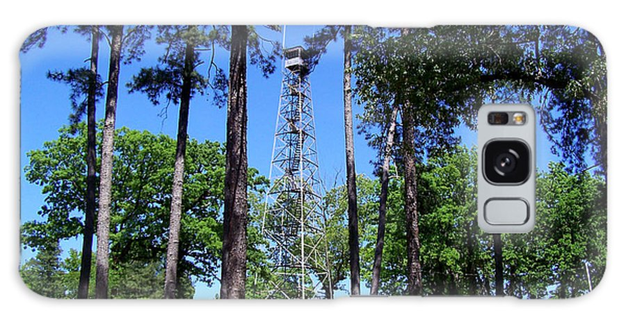 Fire Towers Galaxy S8 Case featuring the photograph Old Bodcau Fire Tower In Louisiana by Kathy White