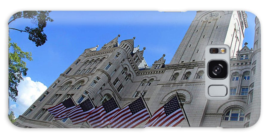 Old Post Office Galaxy S8 Case featuring the photograph The Old Post Office Or Trump Tower by Cora Wandel