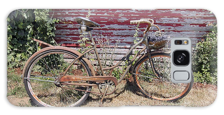 Bicycle Galaxy S8 Case featuring the photograph Old Rusty Bicycle With Basket Of Lavender Flowers by Jit Lim