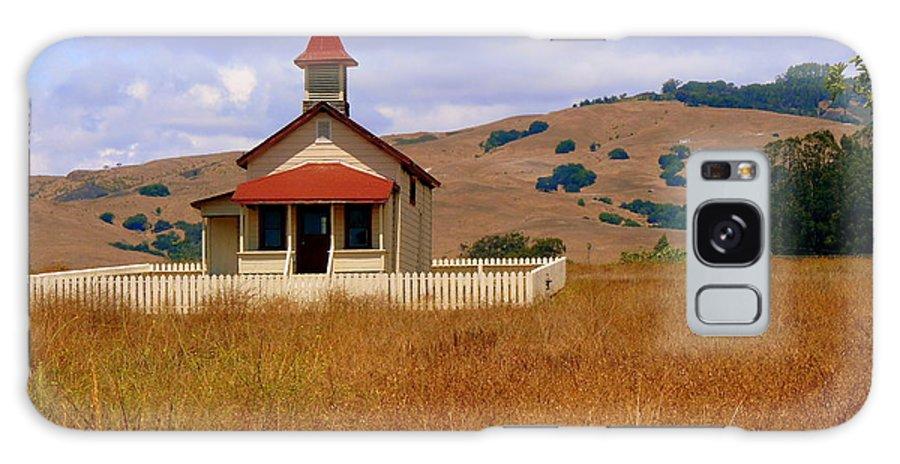 San Simeon Galaxy S8 Case featuring the photograph Old San Sebastian School In Field by Jeff Lowe