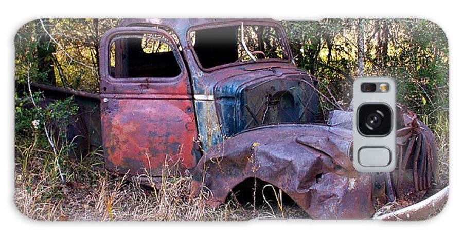 Truck Galaxy S8 Case featuring the photograph Old Truck - Purtis Creek by Allen Sheffield