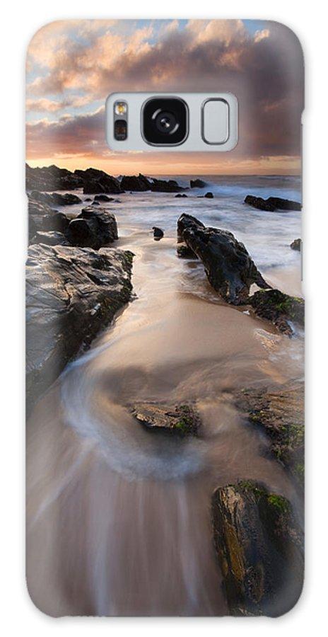 Basham Beach Galaxy S8 Case featuring the photograph On The Rocks by Mike Dawson