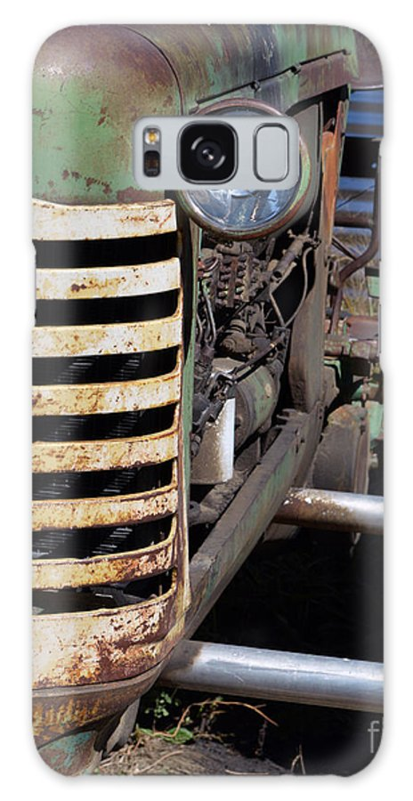 Oliver Tractor Galaxy S8 Case featuring the photograph One Eyed Oliver by Renie Rutten