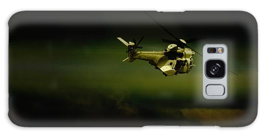 Helicopter Galaxy S8 Case featuring the photograph Oryx by Paul Job