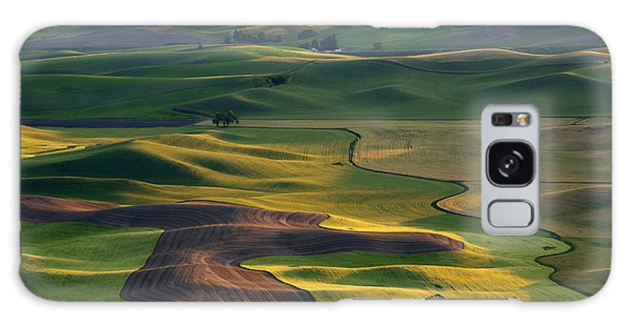 Palouse Galaxy S8 Case featuring the photograph Palouse Shadows by Mike Dawson