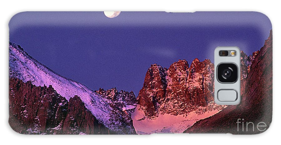North America Galaxy S8 Case featuring the photograph Panorama Moonset Middle Palisades Glacier Eastern Sierras California by Dave Welling