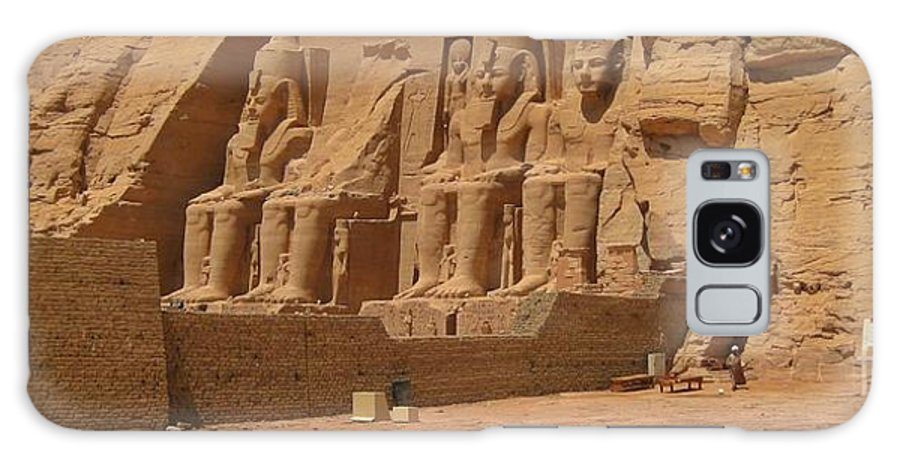 Panoramic Photograph Of Famous Egyptian Monument Galaxy S8 Case featuring the photograph Panoramic Photograph Of Famous Egyptian Monument by John Malone