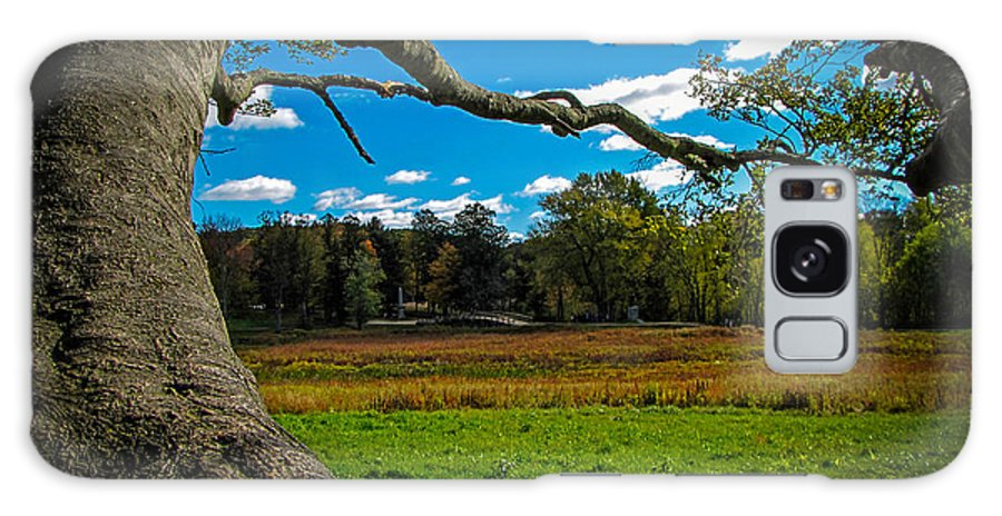 Fall Galaxy S8 Case featuring the photograph Park In Massachusetts In The Fall by Charlene Gauld