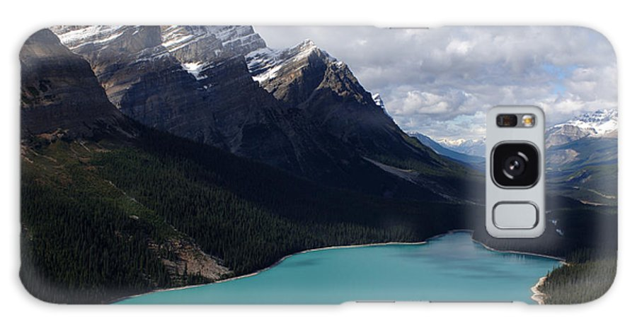 Peyto Lake Galaxy S8 Case featuring the photograph Peyto Lake Canadian Rockies by Bob Christopher
