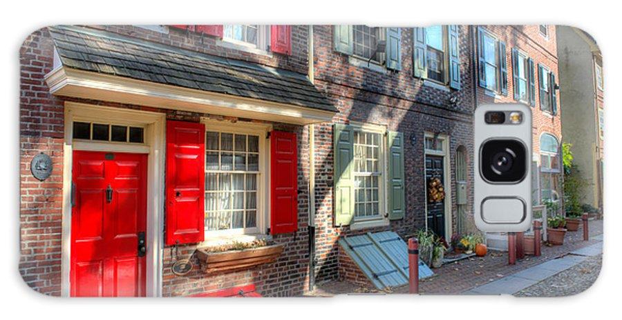 Philadelphia Galaxy S8 Case featuring the photograph Philadelphia Elphreth's Alley by Constantin Raducan