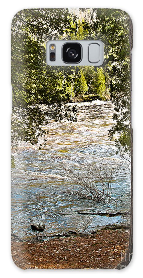 Piers Gorge Galaxy S8 Case featuring the photograph Piers Gorge by Gwen Gibson