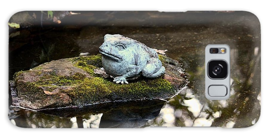 Pond Frog Statuette Galaxy S8 Case featuring the photograph Pond Frog Statuette by Maria Urso