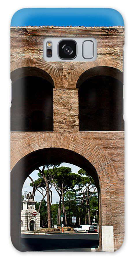 Pinciana Galaxy S8 Case featuring the photograph Porta Pinciana by Luis Alvarenga