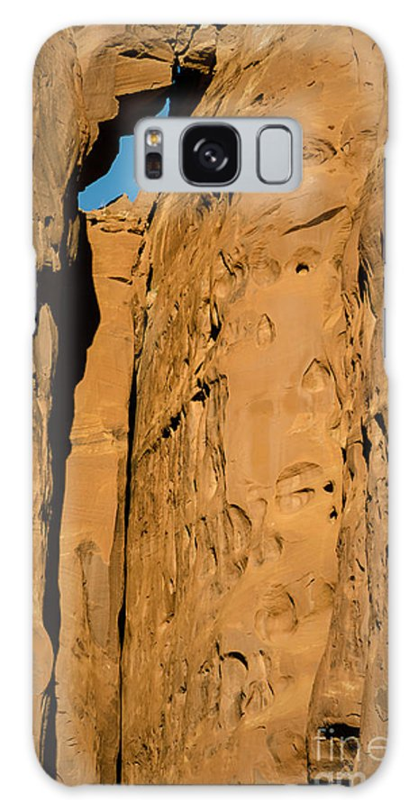 Stone Galaxy S8 Case featuring the photograph Portal Through Stone by Jeffrey Kolker