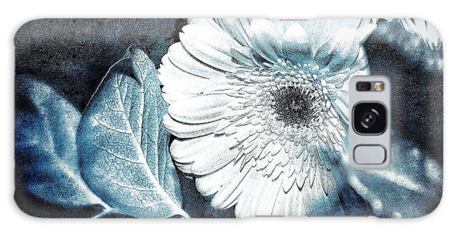 Flower Galaxy S8 Case featuring the photograph Positively Negative by Sue Small