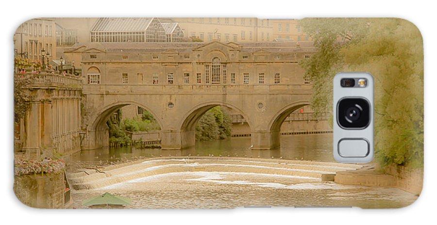pulteney Bridge Bath England Galaxy S8 Case featuring the photograph Pulteney Bridge In Bath by Marie Cardona