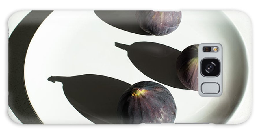 Fruit Galaxy S8 Case featuring the photograph Purple Figs On A White Plate by Frank Gaertner
