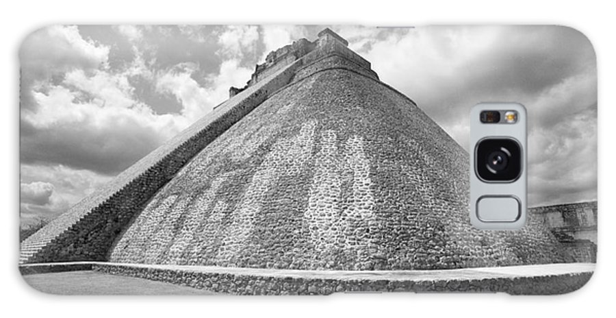 Mexico Galaxy S8 Case featuring the photograph Pyramid Of The Magician Uxmal Mexico by John Mitchell