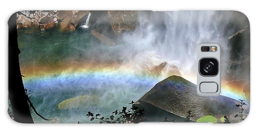 Mist Trail Galaxy S8 Case featuring the photograph Rainbow In The Mist by Ron D Johnson
