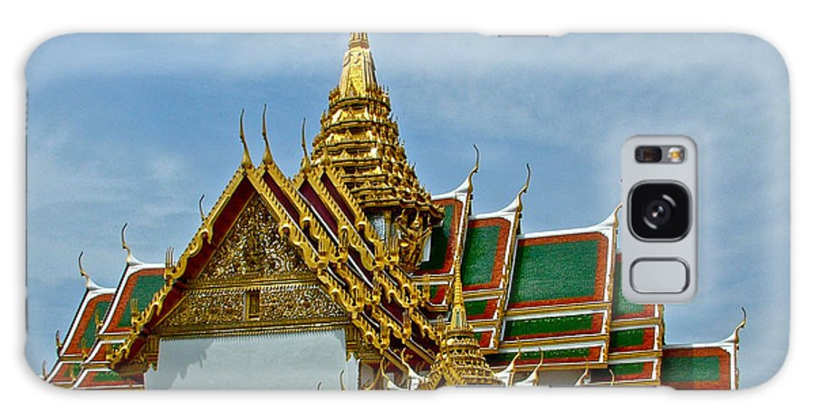 Reception Hall At Grand Palace Of Thailand In Bangkok Galaxy S8 Case featuring the photograph Reception Hall At Grand Palace Of Thailand In Bangkok by Ruth Hager