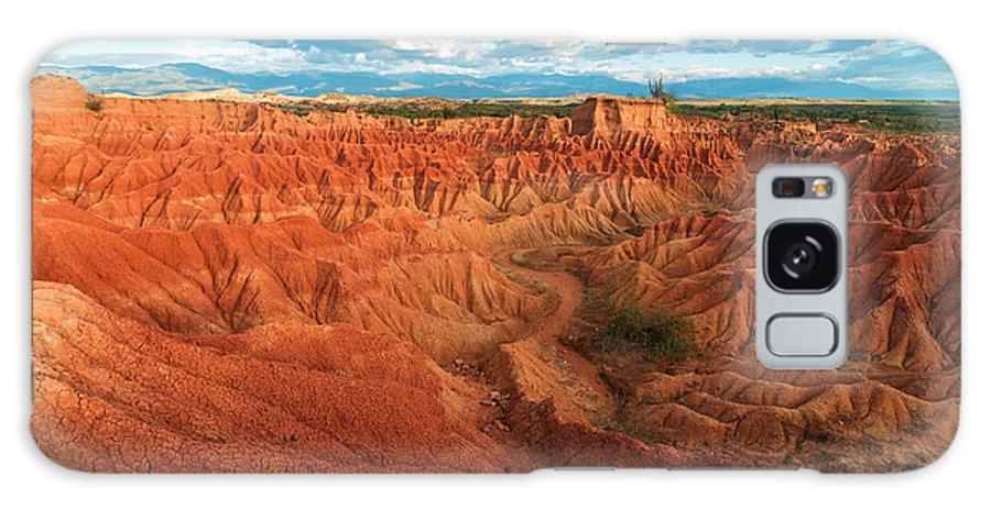 Desert Galaxy S8 Case featuring the photograph Red Desert Landscape by Jess Kraft
