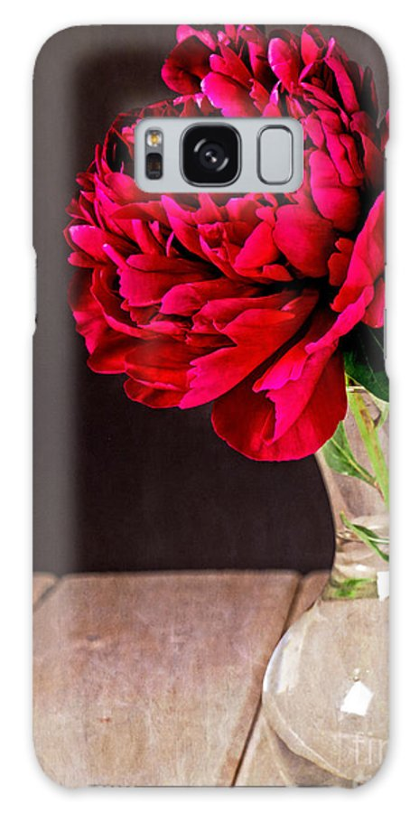 Vase Galaxy S8 Case featuring the photograph Red Peony Flower Vase by Edward Fielding