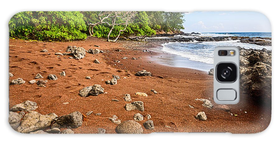 Red Sand Beach Galaxy S8 Case featuring the photograph Red Sand Seclusion - The Exotic And Stunning Red Sand Beach On Maui by Jamie Pham