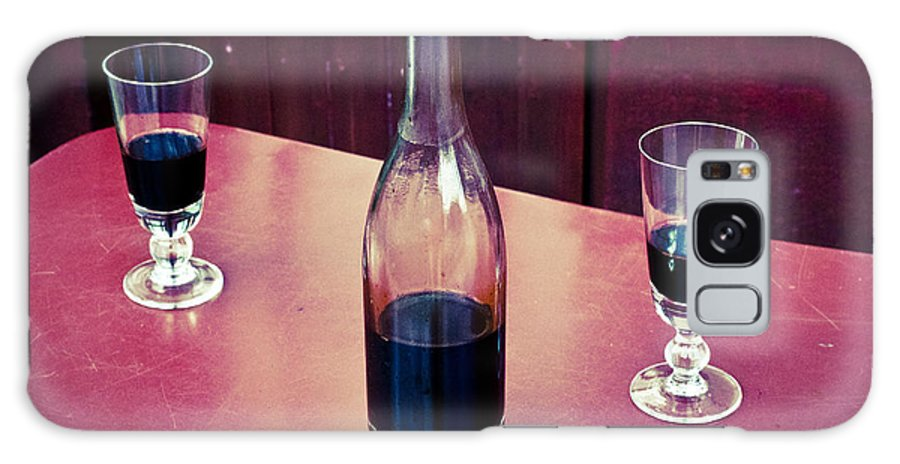 Auvers Galaxy S8 Case featuring the photograph Red Wine by Lana Enderle