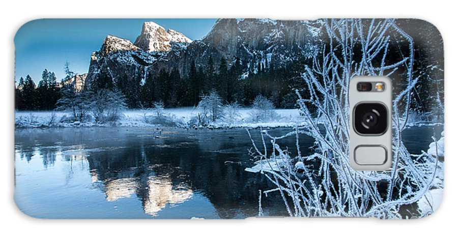 Yosemite Galaxy S8 Case featuring the photograph Reflections Of Yosemite by Jeff Kershaw