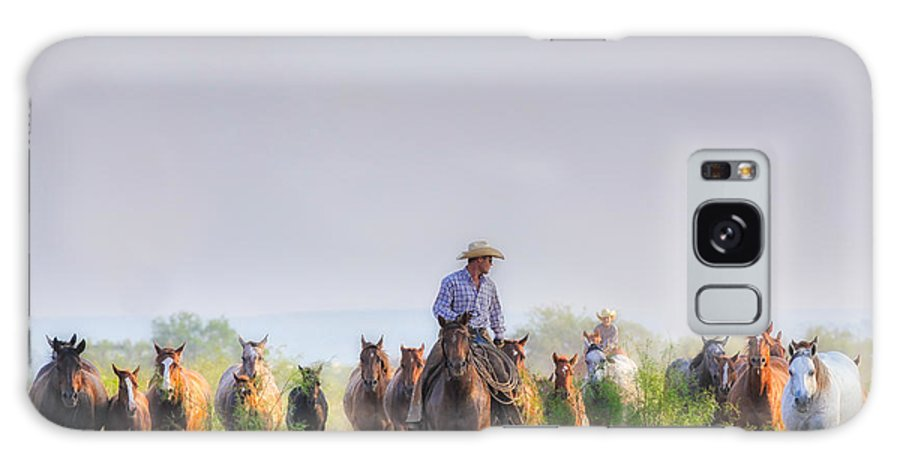 Horses Galaxy S8 Case featuring the photograph Remuda Run by Kelli Brown