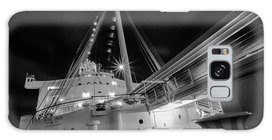 Queen Mary Upper Deck Galaxy S8 Case featuring the photograph Retired Queen Mary Upper Deck by Jerome Obille