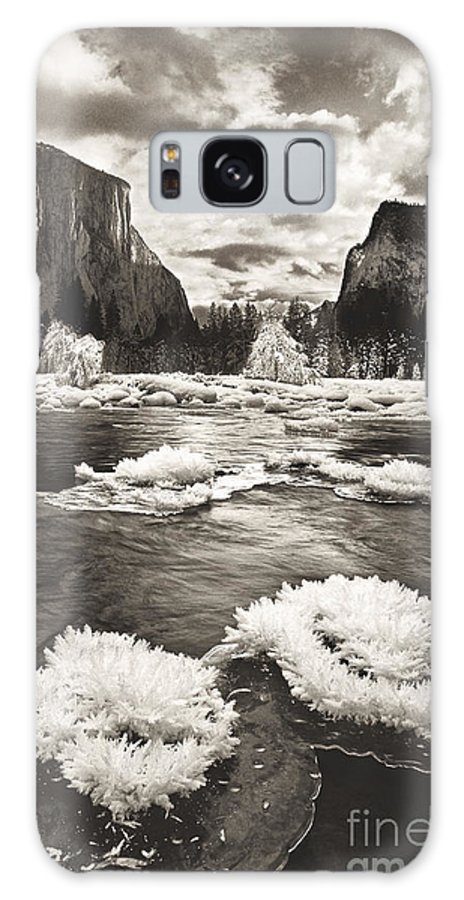 North America Galaxy S8 Case featuring the photograph Rime Ice On The Merced In Black And White by Dave Welling