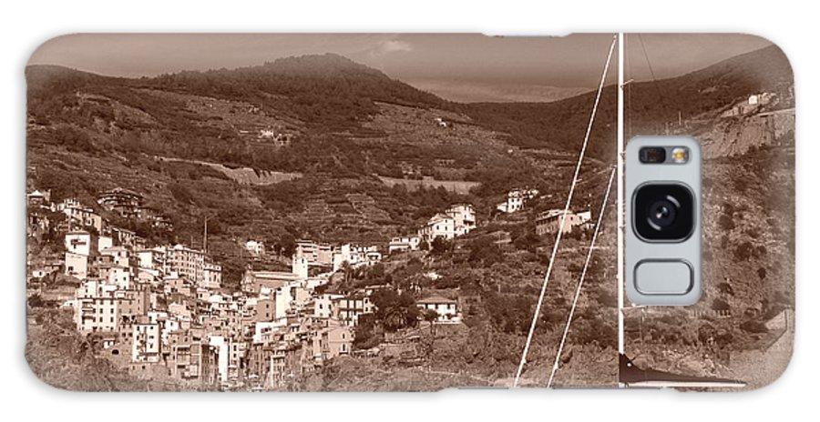 Riomaggiore Galaxy S8 Case featuring the photograph Riomaggiore Cinque Terre by Michael Moore