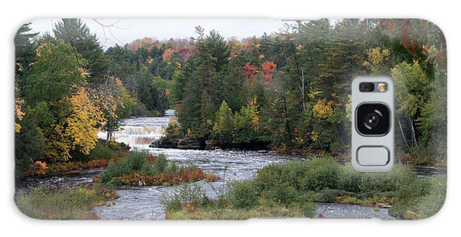 Lower Tahquamenon Falls Galaxy S8 Case featuring the photograph River Run by Linda Kerkau