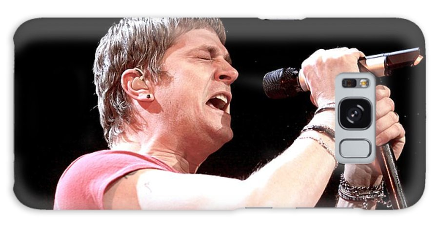 Musician Galaxy S8 Case featuring the photograph Matchbox 20 - Rob Thomas by Concert Photos