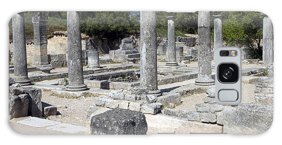 Glanum Roman Ruins Saint Remy France Ruin Column Columns Landscape Landscapes Provence Galaxy S8 Case featuring the photograph Roman Columns by Bob Phillips