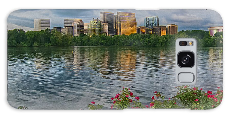 Potomac River Sunset Galaxy S8 Case featuring the photograph Rosslyn Virginia Sunset From Across The Potomac River by Martin Belan
