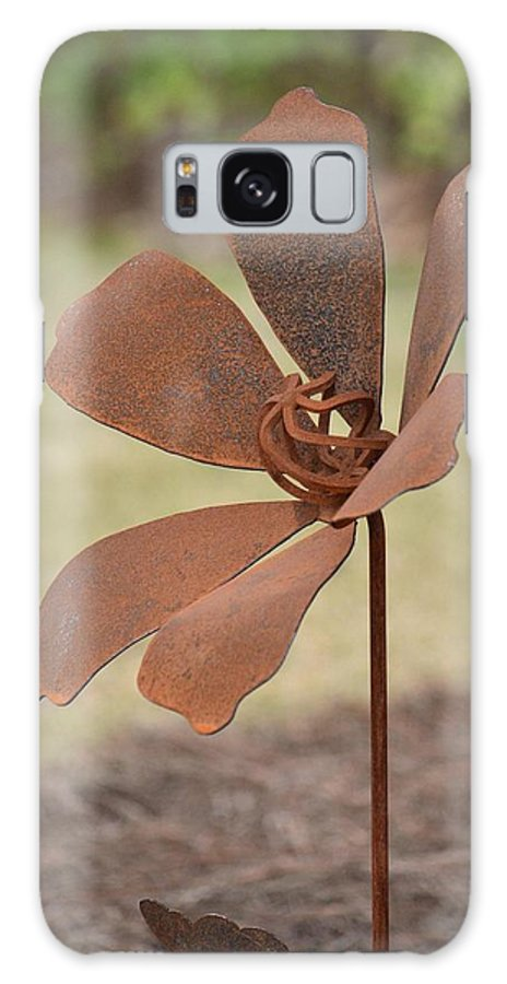 Rusted Iron Flower Galaxy S8 Case featuring the photograph Rusted Iron Flower by Maria Urso