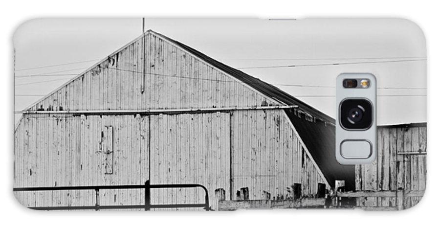 Old Galaxy S8 Case featuring the photograph Rustic Barn 2 - 2 by Tara Lynn