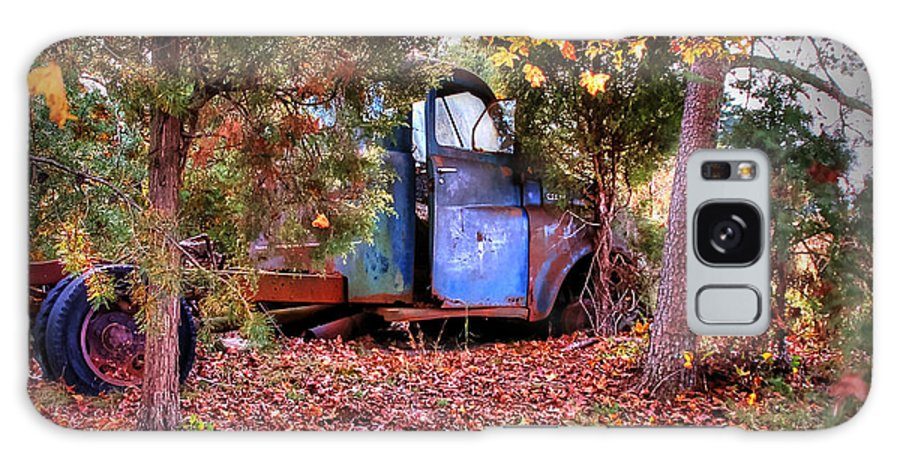 Truck Galaxy S8 Case featuring the photograph Rusting Truck by Aaron Shortt